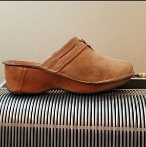 AMAZING SPERRY TOP-SIDER TAN SUEDE CLOG MULES